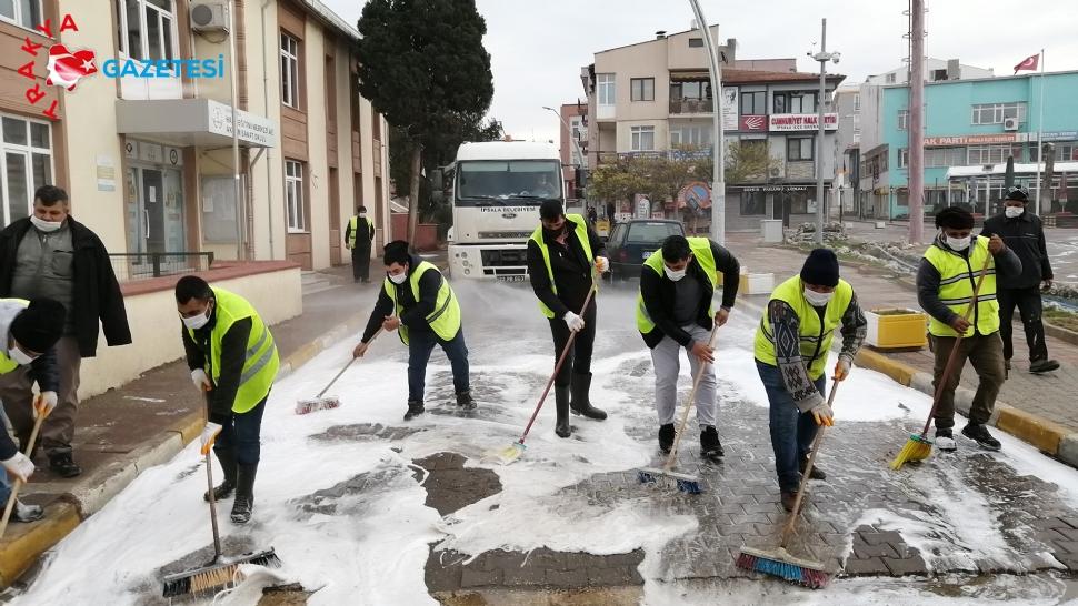 İpsala'da cadde ve sokaklar dezenfekte ediliyor